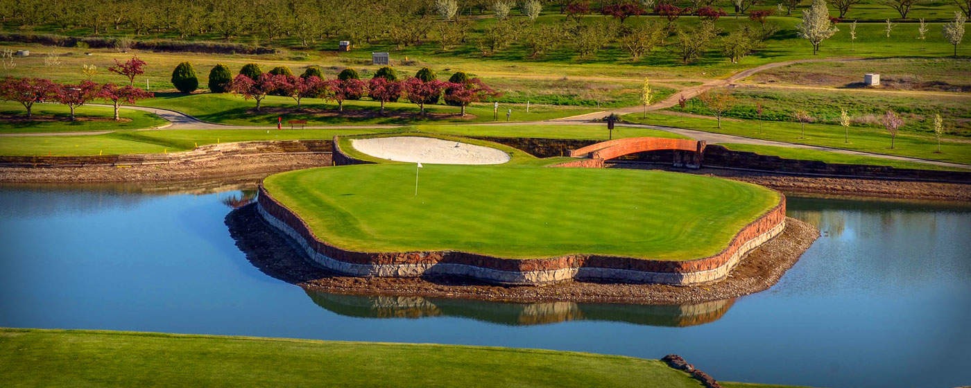 apple-tree-golf-course-yakima